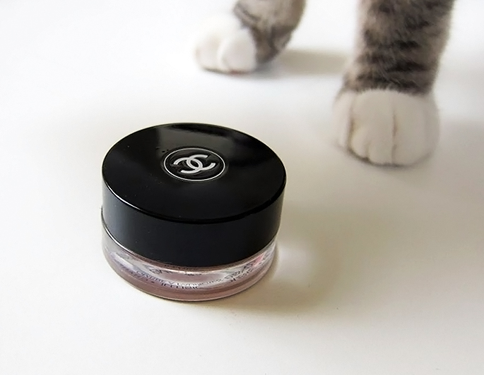 Chanel Illusion d'Ombre Eyeshadow in Emerveille